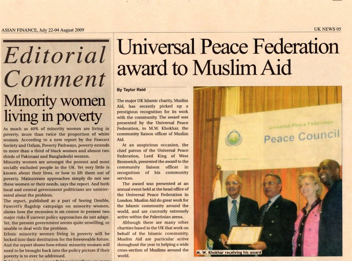Mr Mohammed Khokhar receives an Ambassador for Peace Award